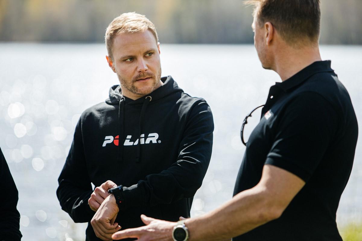Pioneira em wearables esportivos finlandesa anuncia parceria com o piloto de Fórmula 1. Foto: Divulgação.
