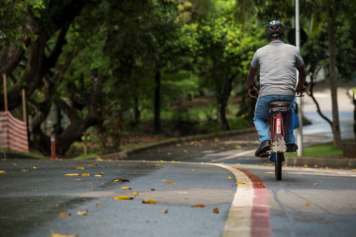 Ciclista. Foto: SECOM/Salvador/via Fotos Públicas.
